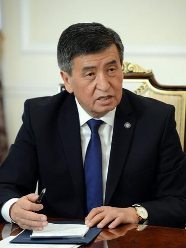 Киргизского президента «посадили мимо стула»