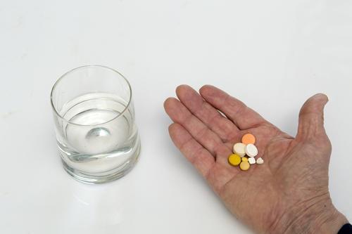 Доктор Александр Мясников назвал способные нанести вред здоровью лекарства