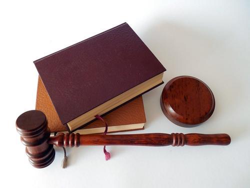 Суд не смог принять решение по поводу оглашения переписки историка Соколова с Ещенко
