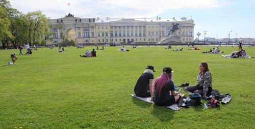 В России на этой неделе прогнозируется опасный уровень ультрафиолетового излучения