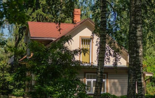 Мнение: 50 миллионов рублей за дом Ефремова в Юрмале – фейк