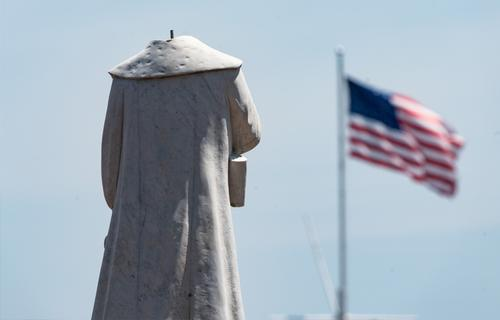 В США спецслужбы взяли на себя охрану памятников