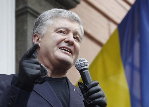 В Раде сообщили, что Порошенко планирует устроить «кровавый» госпереворот на Украине