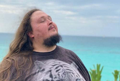 Сын Сафронова пошутил про похудевшего на сто килограммов Фадеева