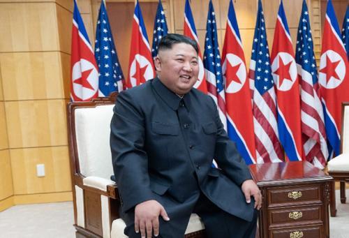 Ким Чен Ын назвал причину, по которой коронавирус не проник в Северную Корею