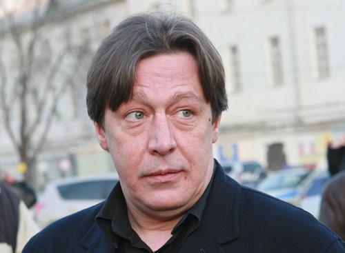 Адвокат Ефремова прокомментировал версию об эпилептическом припадке у актера во время ДТП