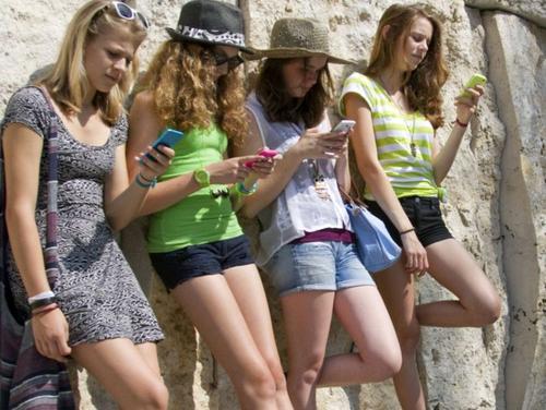 В Крыму  дорожает мобильная связь?