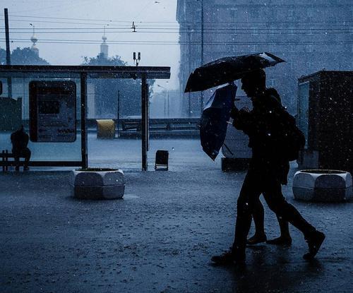 В МЧС предупредили москвичей о грозах и граде
