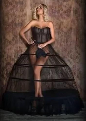 Оперная певица Мария Максакова снялась в откровенном видеоклипе