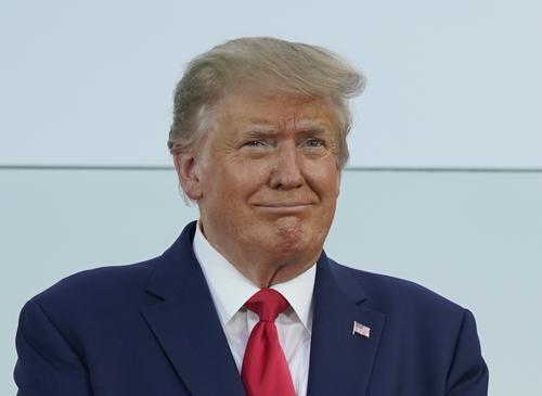 Трамп: ситуация с COVID-19 в США улучшится в течение месяца