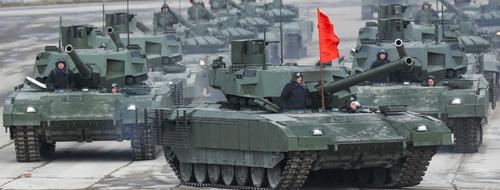 Первыми покупателями российского танка «Армата» могут стать Египет, Индия и Китай