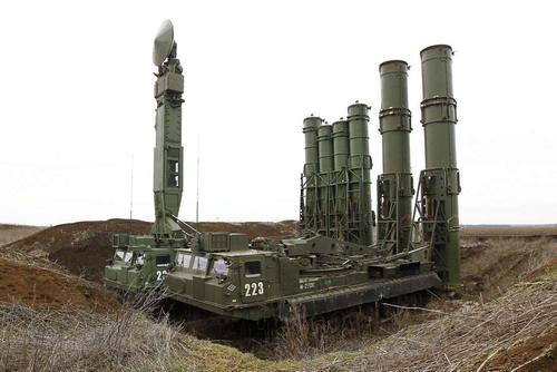 Небо Сибири, Поволжья и Урала защитят системы С-300ПМ-2 и С-400