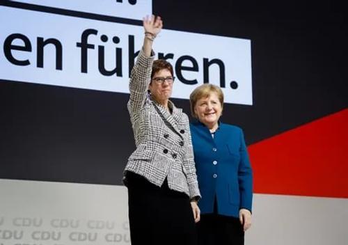 Геи и женщины делают политику в Германии