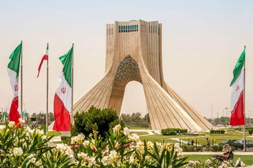 Взоры Пекина нацелены на Иран. Дружить будут против Запада