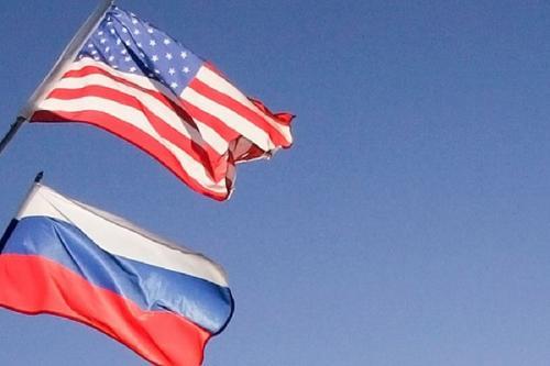 Песков высказался об отношениях России и США: «Из рук вон плохо»