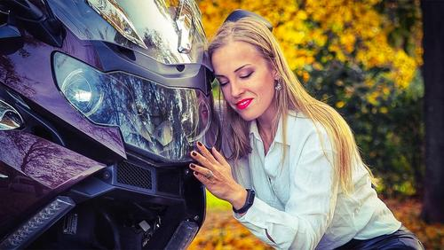 Красивый кадр ценою в жизнь. На своём мотоцикле разбилась еще одна популярная блогерша по прозвищу «Катастрофа»