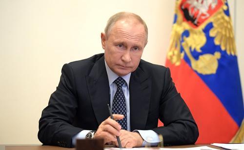 Песков прокомментировал повышенный интерес к ручке Путина на совещаниях