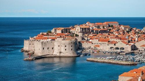 Хорватия разрешила россиянам въезд в страну