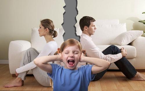 Вопрос-ответ. Когда и с кем могут видеться дети во время развода