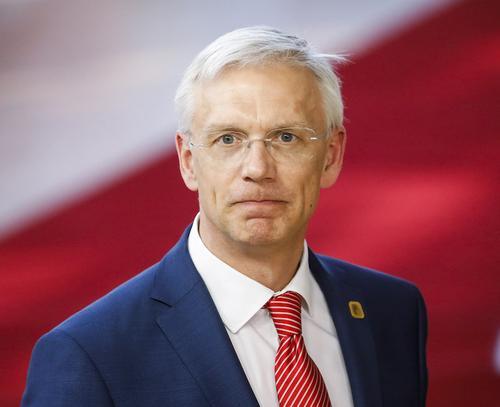 Кабмин Латвии: Маски для иностранцев – дискриминация