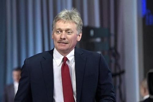 Песков заявил, что мнение Кремля не влияет на меру пресечения Сафронову