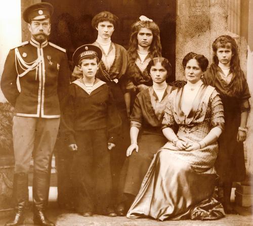 Кремль прокомментировал появление новых деталей в расследовании убийства семьи Николая II