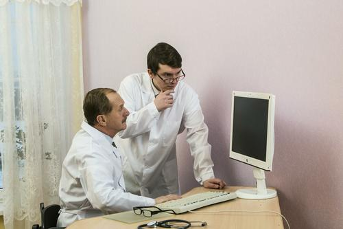 Врачи озвучили симптомы, которые могут указывать на раковую опухоль в кишечнике