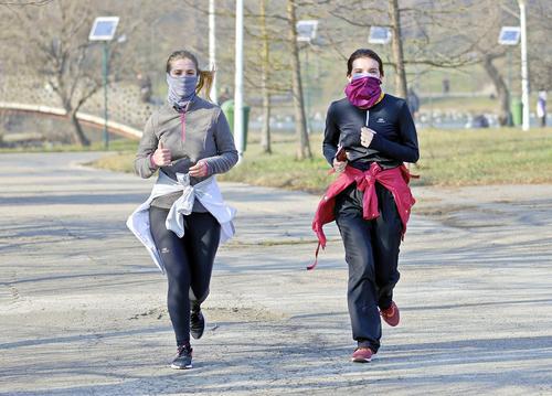 В Свердловской области продлили ограничения из-за роста случаев коронавируса