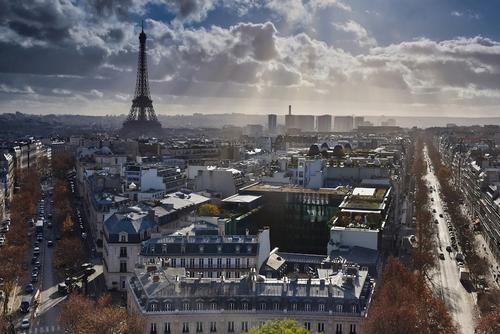 Во Франции предупреждают о возможной второй волне COVID-19 осенью или зимой