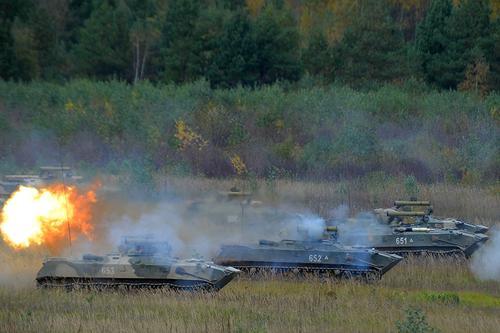 ВДВ провели батальонные тактические учения на полигоне в Рязанской области
