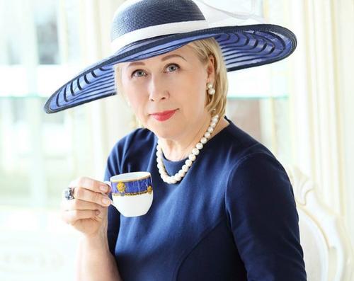 Латвия: каждому дадим по шляпке
