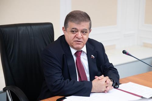 Сенатор Джабаров ответил на обвинения США в дезинформации о распространении коронавируса  в России