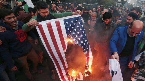 Военный эксперт Александр Храмчихин: Война между США и Ираном отнюдь не исключена