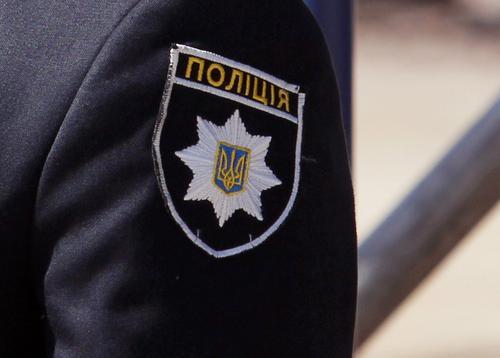 В киевском бизнес-центре забаррикадировался мужчина, угрожающий осуществить взрыв