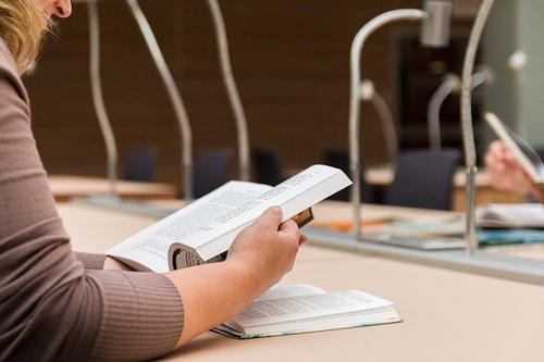 В Рособрнадзоре сочли отмену обязательного ЕГЭ по иностранному языку верным решением