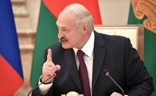 Лукашенко заявил, что  против него направлены «ядовитые ковидные стрелы»