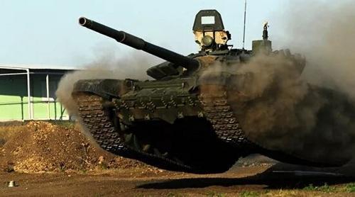 Почему танкисты НОАК предпочитают свои машины – русским для выступления в «танковом биатлоне»