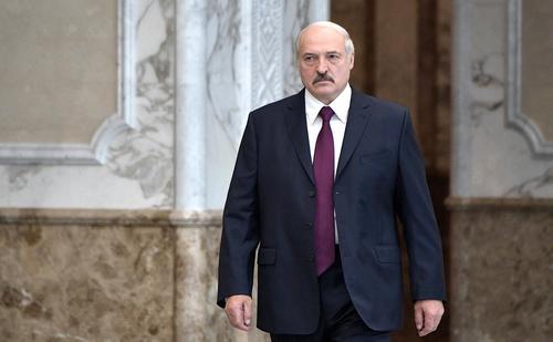 Лукашенко: Россия боится потерять Белоруссию, а Запад проявляет интерес