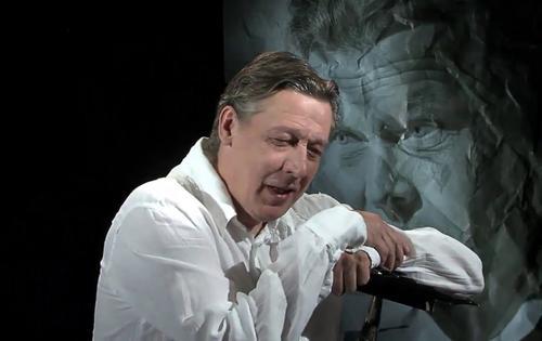 «Оппозиционер? Да у него портрет Путина стоит», адвокат Пашаев рассказал о любви Ефремова к власти