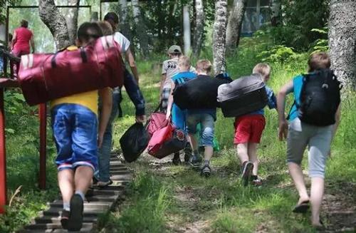 Хабаровские дети отравились в приморской гостинице