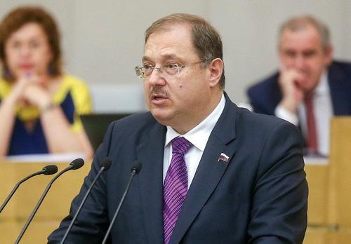 В Госдуме  выразили надежду, что  нашему футболу коронавирус не помешает и судейство будет справедливым