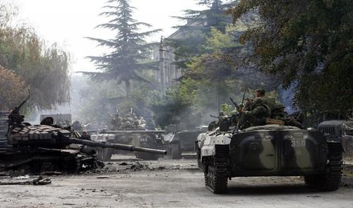 В этот день в 2008 году продолжались бои в Южной Осетии и Абхазии