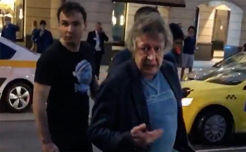 Добровинский рассказал, что обнаружил видео с Ефремовым за рулем машины