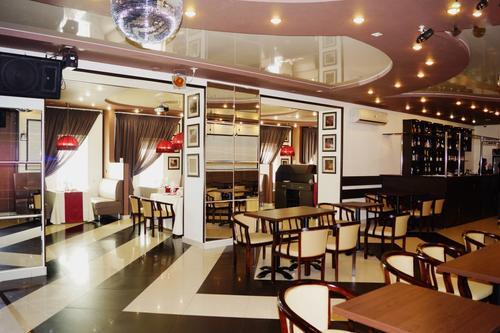 Около 300 хабаровских кафе и ресторанов вернулись к работе в штатном режиме