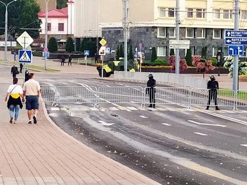 Белорусское МВД сообщило о задержании в Минске мужчины, который раздавал деньги протестующим