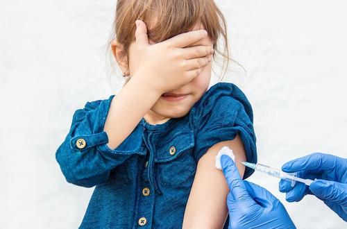 Почему в России не будут прививать от коронавирусной инфекции  COVID-19 детей до 18 лет