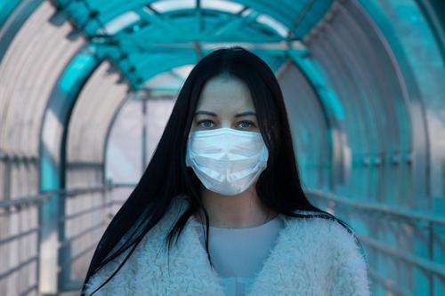 Иммунолог рассказал о невосприимчивых к  SARS-CoV-2 людях