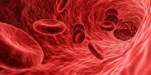Эксперт объяснил, почему нельзя связывать заболеваемость коронавирусом c резус-фактором