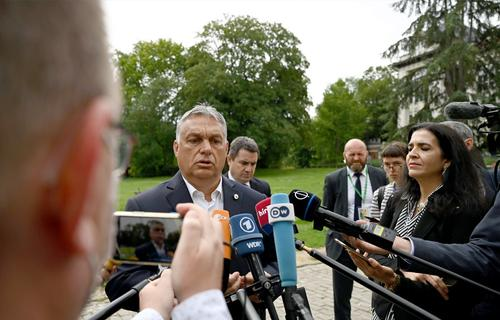 В Венгрии оппозиция начала повторять опыт Минска