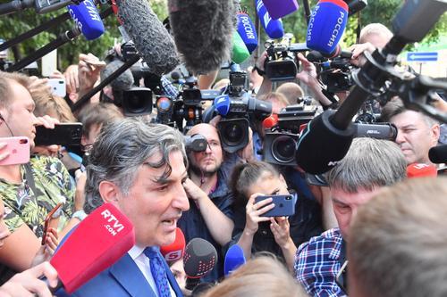 Пашаев прокомментировал подписанный им и Ефремовым протокол о признании вины в ДТП
